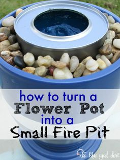 How to turn a flower pot into a small fire pit. DIY: Quick & Easy as well as inexpensive. Very clever. Why buy a fire pit when you can easily make your own? See the full tutorial for making your own small fire pit out of a flower pot. Small Fire Pit, Diy Fire Pit, Fire Pit Backyard, Fire Pits, Cozy Backyard, Jardin Decor, Fire Bowls, Outdoor Fire, Outdoor Living