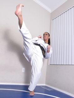 Karate Girl, Martial Arts Women, Female Fighter, Zombieland, Art Women, Badass Women, Female Art, Poses, Drawing