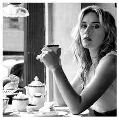 They say a picture is worth words. Kate Winslet captures the Governors Estate voice here - elegant, poised and sassy. Coffee Girl, I Love Coffee, Star Cafe, Premium Tea, Tea Tins, Tea Art, Kate Winslet, Coffee Drinks, Drinking Tea