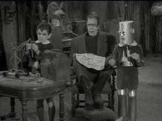 The Munsters - Robot Eddie Munsters Tv Show, The Munsters, Marilyn Munster, 1313 Mockingbird Lane, Herman Munster, Black Sheep Of The Family, Yvonne De Carlo, Female Vampire, Real Family