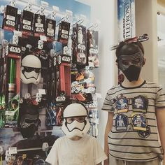 Star wars ' s fans #family #familyfirst #familytime #familia #happychild #starwars #battelfront by indipietro