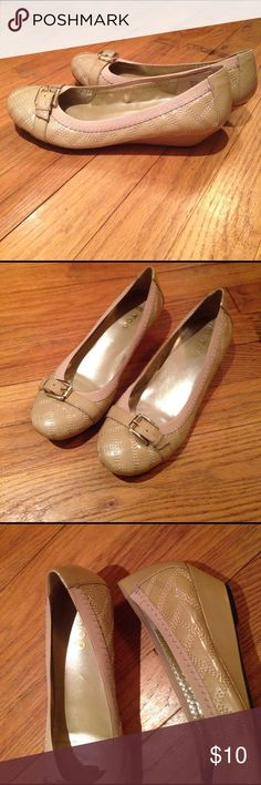 Me Too Wedges Sz 7 Nude. Quilted with gold buckle. me too Shoes Wedges