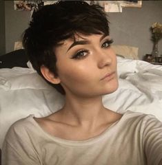 Modern Buzz-Cut - 20 Bold and Daring Takes on the Shaved Pixie Cut - The Trending Hairstyle Pixie Haircut For Round Faces, Haircut For Square Face, Haircut For Older Women, Round Face Haircuts, Short Pixie Haircuts, Girl Haircuts, Pixie Hairstyles, Pretty Hairstyles, Short Hair Cuts