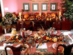 Dress up your Thanksgiving table with seasonal colors