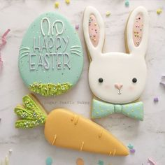A great selection of Easter badges to celebrate this special religious day. Fancy Cookies, Iced Cookies, Cute Cookies, Easter Cookies, Holiday Cookies, Sugar Cookies, Cupcakes, Cupcake Cookies, Sugar Cookie Royal Icing