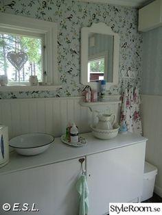 sommartorp inredning - Sök på Google Vanity, Mirror, Bathrooms, Inspiration, Dreams, Furniture, Google, Home Decor, Lawn And Garden