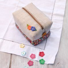 Square zip pouch