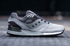 """Saucony Shadow Master """"In the Shadows"""" Pack: Saucony's Shadow Master silhouette is the canvas for the footwear brand's """"In the Shadows"""" pack. Nike Shoes Cheap, Nike Shoes Outlet, Men's Shoes, Shoe Boots, Shoes Sneakers, Running Fashion, Running Style, Running Shoes, Saucony Shadow"""