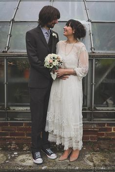 vintage bride and groom with a twist |  Read more on http://onefabday.com/bradbourne-house-by-jess-petrie/