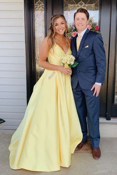 Buy Yellow Long Prom Dress With Beaded Pockets, Backless Evening Dress wear to a military ball, formal party, graduation or wedding that perfect for you and your unique personality. Sexy Dresses, Backless Prom Dresses, Homecoming Dresses, Formal Dresses, Long Dresses, Graduation Dresses, Dress Long, Prom Outfits, Prom Gowns