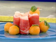 Sushi di prosciutto di parma con caprino e melone alla menta