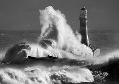 Roker-lighthouse mono (by jonboy24/7)