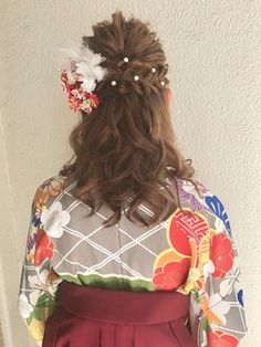 ♪ Hakama style half up ♪ Cute Quick Hairstyles, Kawaii Hairstyles, Yukata, Dear Daughter, Hair Arrange, Half Up, Silver Hair, Kimono Fashion, Hair Comb