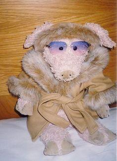 Colin the Diva Pig (as Greta Garbo)