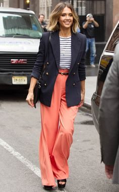 Jessica Alba's street style is EVERYTHING. Love this look!