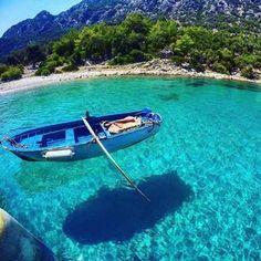 Sanki sandal uçuyormuşcasına berrak bir deniz  Kilise Koyu, Turunc Marmaris. www.kucukoteller.com.tr  Carlos Carla