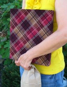 Fabric Covered Binder. Great idea for my quilting book.