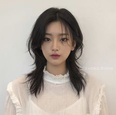 Short Hair Styles For Round Faces, Hairstyles For Round Faces, Short Hairstyles For Women, Medium Hair Styles, Girl Hairstyles, Curly Hair Styles, Asian Short Hair, Short Straight Hair, Asian Hair