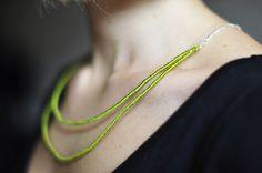 DIY: yarn necklace · Sheepy Me