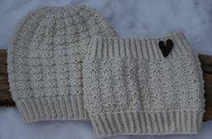 G-Anette's Kreativiteter: Strikket sett og sjarm-penal Knit Hat For Men, Hats For Men, Chrochet, Knit Crochet, Kids And Parenting, Cable Knit, Knitted Hats, Winter Outfits, Knitting Patterns
