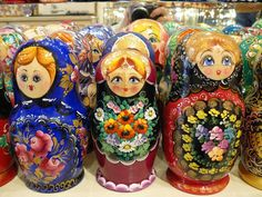Russian Nesting Dolls- Matriochka-Babushka www.matrioskas.es