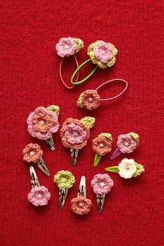 Free Crochet Pattern: Flower Hair Accessories