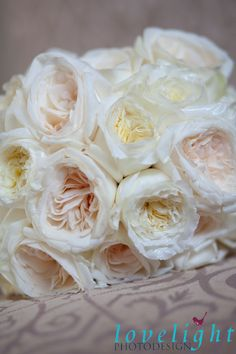 Detail pic of the ivory and blush roses