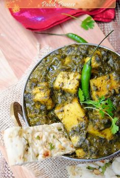 US Masala: Palak paneer/Saag paneer - The waiter had suggested this dish as a favorite when another dish I ordered was not available.  I admit, I wasn't too crazy at first glance... but Oh MY Gosh, was this DELICIOUS!!!!  I can't wait to try to whip this one up myself!