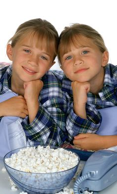 If you were a kid in the Mary-Kate and Ashley Olsen were likely your dream best friends. You can probably count the times that you stayed up late Ashley Mary Kate Olsen, Ashley Olsen, Elizabeth Olsen, Homade Christmas Gifts For Kids, Diy Christmas Gifts For Kids, Diy Gifts For Kids, Teacher Christmas Gifts, Family Christmas, Christmas Presents