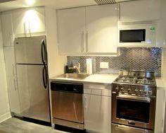 Decoração: 20 cozinhas pequenas - Cores da Casa - armario ao lado da geladeira