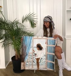 Art Pictures, Funny Pictures, Black Art Painting, Acrylic Paintings, Artist Aesthetic, Art Hoe, Ladder Decor, Surfing, Lady