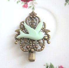 https://www.etsy.com/nl/listing/161346629/mint-green-hair-clip-bird-hair-pin