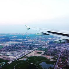http://sterling.eu Checking out the CN tower from up high ✈️ Try finding it in the picture!  ✿