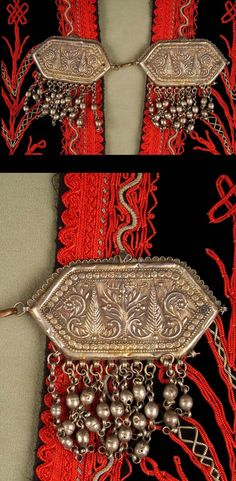 "Syria - Al-Suwayda / Djebel Druze | Clasp ~ qfel ~ worn by Druze women to close their ""damer"" (shawl / bolero) or ""qombaz"" (cape / coat); silver | ca. early 20th century| ca. early 20th century. // ©Quai Branly Museum. 71.1989.25.11.4.1-2"