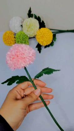 Handmade Flowers, Diy Flowers, Fabric Flowers, Tissue Paper Flowers, Flowers From Tissue Paper, Paper Origami Flowers, How To Make Paper Flowers, Paper Crafts Origami, Tissue Paper Crafts