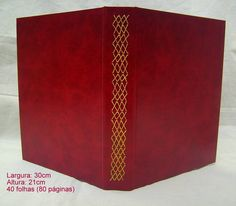 Álbum para fotografias Capa em percalux couro Miolo Colorplus 180gr 40 folhas/80 páginas Capacidade: até 160 fotos Costurado à mão com fio de linho R$ 300,00