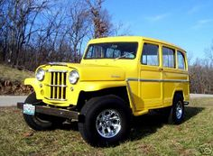 Yellow don't look bad on this old Willys Jeep.