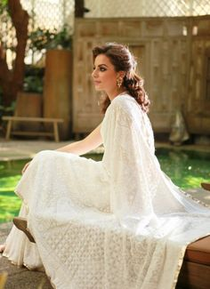 Invest in a plain white chikan saree. It will look gloriously elegant in white and you can gradually dye it darker for multiple new looks. Wedding Sari, Desi Wedding, Indian Wedding Outfits, Wedding Attire, Indian Outfits, Wedding Dresses, Indian Attire, Indian Ethnic Wear, Pakistani Dresses