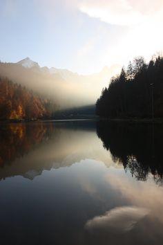 Herbst am Riessersee in Garmisch-Partenkirchen, Blick auf die Alpspitze - Fall at lake Riessersee, Garmisch, Upper Bavaria, Germany