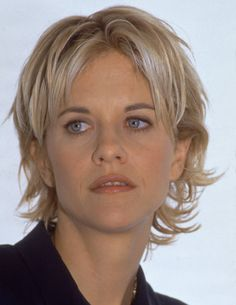 Meg Ryan - actrice américaine - - More Looking for some summer blonde inspiration? 20 of the most sophisticated blondes of all time. Meg Ryan Haircuts, Meg Ryan Hairstyles, Short Shag Hairstyles, Best Wedding Hairstyles, Best Short Haircuts, Hairstyles 2018, Meg Ryan Face, Meg Ryan Short Hair, Short Hair With Layers
