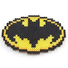 HAMA PERLER BEADS / PERLES, PERLES À REPASSER / STRIJKPARELS, PARELS - BAT / CHAUVE-SOURIS - Batman logo perler beads by pixelmustache