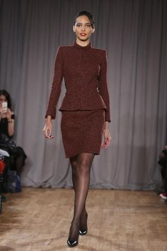 Zac Posen pays tribute to old-world glamour - Yahoo News
