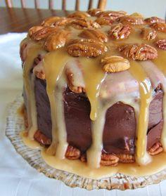 Vegan Maple Turtle Cake - OMG this is in the running as dessert for gourmet night! Vegan Sweets, Vegan Desserts, Raw Food Recipes, Just Desserts, Sweet Recipes, Cake Recipes, Dessert Recipes, Cooking Recipes, Vegan Food