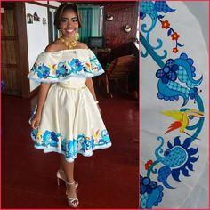 La imagen puede contener: una persona Cute Baby Videos, Mexican Dresses, Quinceanera, Crochet, Cute Babies, Mexico, Costumes, Embroidery, Wedding Dresses
