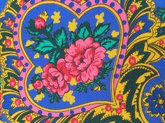 Lenço de Viana azul - detalhe   Bright blue Viana scarf - detail