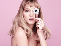 Lea Strips for Prada–Marking her third campaign for Prada's Candy fragrance line, French actress Léa Seydoux poses naked in the Prada Candy Florale ad. Prada Candy, Daniel Craig, Beauty Photography, Fashion Photography, Lea Seydoux, French Actress, New Fragrances, Hair Inspo, Sexy