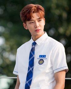Rowoon - 로운 (@sf9__rowoon) • Ảnh và video trên Instagram Actors Male, Korean Actors, Actors & Actresses, Most Handsome Actors, Handsome Boys, Cute Crush Quotes, Sf 9, School 2017, Kdrama Actors