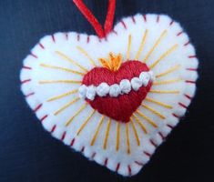 Immaculate Heart of Mary Medal. Catholic, Devotional Medallion, Hand embroidered , Gift for Christian. All Saints Day, Satin Stitch, Sacred Heart, Heart Art, Religious Art, Hobbies And Crafts, Felt Crafts, Wool Felt, Marie