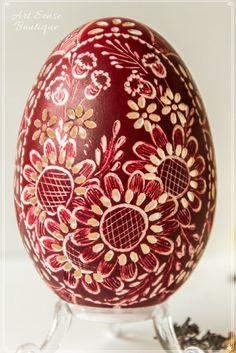 Easter gift, Easter egg, Carved egg #art #easter #giftideas #eastereggs #eastergift