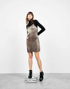 Descubre las últimas tendencias en Vestidos en Bershka. Entra ahora y encuentra 65 Vestidos y nuevos productos cada semana